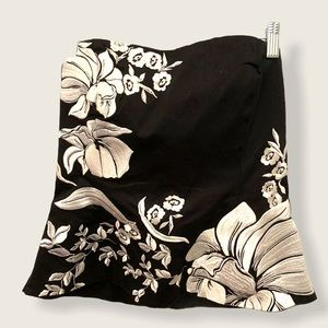 WHBM strapless top black w white floral embroidery